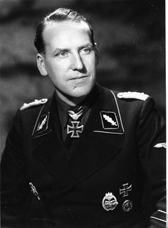"✠ Johannes-Rudolf Mühlenkamp (9 October 1910 – 23 September 1986) RK 03.09.1942 SS-Sturmbannführer Kdr Pz.Abt SS-Div ""Wiking"" [596. EL] 21.09.1944 SS-Standartenführer Fhr 5. SS-Pz.Div ""Wiking"""