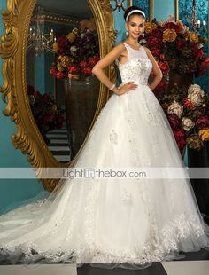Princess Ball Gown Scoop Court Train Chapel Train Tulle Wedding Dress - GBP £ 248.49