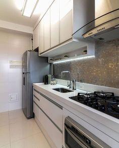 Um sonho ❤️ #decor #decora #decoracao #decorando #decoração #decoration #desing #detalhes #details #apartamento #apartamentopequeno #apartamentodecorado #inspiração #inspiration #interiordesign #casanova #homedesign #homedecor #home #clean #cozinha #cozinhapequena #cozinhadecorada #cozinhaplanejada