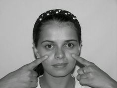 A slim face with jowls and hanging skin from the cheekbones can create an appearance of boniness and not being healthy. Face subcutaneous f... Sagging Cheeks, Sagging Face, Under Eye Wrinkles, Face Wrinkles, Face Lift Exercises, Toning Exercises, Facelift Without Surgery, Yoga Facial, Facial Muscles