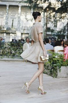 Delpozo So glamour Looks Street Style, Looks Style, Style Me, Style Hair, City Style, Casual Styles, Look Fashion, Fashion Beauty, Womens Fashion