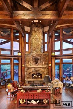 This impressive ranch-style home was designed by architect Joe Robbins, set in the hills of Priest Creek Ranch, Steamboat Springs, Colorado. Architecture Design, Luxury Portfolio, Contemporary Cottage, Colorado Homes, Colorado Springs, Mansions For Sale, Ranch Style Homes, Deco Design, Log Homes