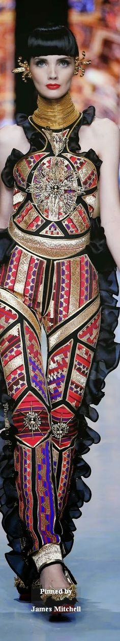 Galore Haute Couture 2014 Collection By Priyo Oktaviano 2010s Fashion, Fashion Art, Boho Fashion, Womens Fashion, Fashion Design, Fashion Trends, Concept Clothing, High Class Fashion, Conceptual Fashion