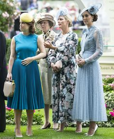 June 2019 - Royal women: Princess Eugenie, Princess Anne, Zara Tindall and the Duchess of Cambridge at Royal Ascot Royal Ascot, Royal Uk, Estilo Kate Middleton, Kate Middleton Style, Pippa Middleton, Kate Middleton Prince William, Prince William And Kate, Catherine Cambridge, Duchess Of Cambridge