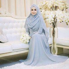 Muslim Wedding Dress with Hijab Hijabi Wedding, Muslimah Wedding Dress, Muslim Brides, Muslim Dress, Pakistani Wedding Dresses, Muslim Couples, Kebaya Muslim, Mode Abaya, Mode Hijab