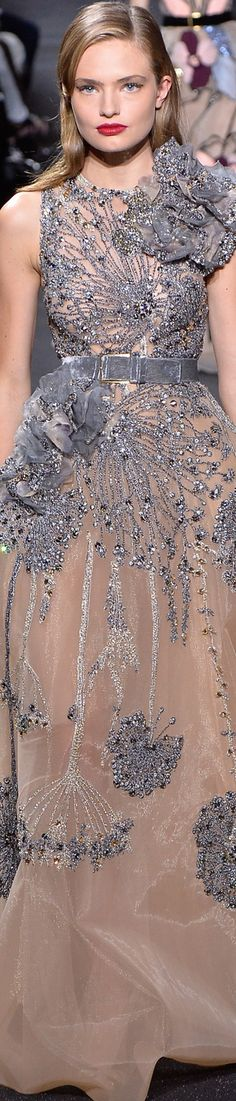Fall 2016 Couture featuring Highlights from Elie Saab Fashion Moda, Fashion Week, Love Fashion, Fashion Show, Fashion Design, Couture Fashion, Runway Fashion, Elie Saab Fall, Elie Saab Couture