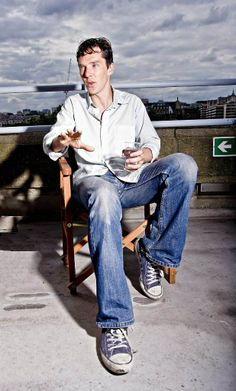 Benedict Cumberbatch..he looks so sexy casual...
