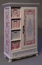 "Robin Betterley's Miniatures - 1"" LYDIA LA-DEE-DA CLOSET 75.00"