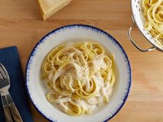 The Pioneer Woman's Classic Alfredo Sauce