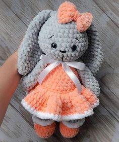 Mesmerizing Crochet an Amigurumi Rabbit Ideas. Lovely Crochet an Amigurumi Rabbit Ideas. Crochet Bunny Pattern, Crochet Patterns Amigurumi, Crochet Dolls, Crochet Baby, Free Crochet, Knitting Patterns, Free Knitting, Plush Pattern, Baby Patterns