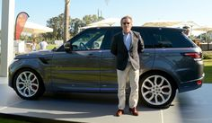 El Duque consorte de Alba entrega el Premio Land Rover al mejor jugador del Torneo de Polo de Sotogrande