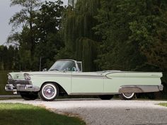 1959 Ford Galaxie Skyliner Retractable Hardtop | Car Pictures