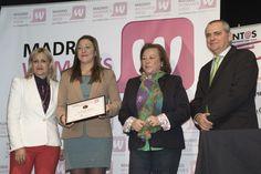 Virginia Gonzálvo, coordinadora de Revistas Digitales de El Economista, recibió el Prermio Emprendedores 2015 de MADRID WOMAN'S WEEK en nombre del rotativo económico por su labor de divulgación y apoyo al ecosistema emprendedor a través de sus medios digitales y redes sociales; y por su permanente impulso de EL CAMINO DE EMPRENDER de MWW durante cinco ediciones.