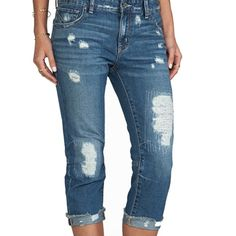 """BRAND NEW FREE PEOPLE Cropped jeans!!! Free people cropped boyfriend jeans, color True Blue, measures 15"""" leg goes down to 13"""" leg opening,100% cotton, jeans have distressed areas throughout.. Size 27.. Price tag still attached!! Free People Jeans Boyfriend"""
