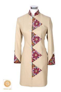 Frock Fashion, Batik Fashion, Sleeves Designs For Dresses, Dress Neck Designs, Kurta Designs, Blouse Designs, Mode Batik, Afghan Clothes, Kurti Embroidery Design