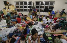 Thousands take cover as Typhoon Hagupit hits Philippines