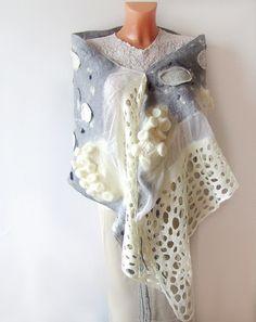 Nuno felted scarf - Grey White lace  by GalaFilc, via Flickr Fabric Ribbon, Felt Fabric, Fabric Art, Needle Felted, Nuno Felting, Nuno Felt Scarf, Felted Scarf, Fabric Manipulation Techniques, Fuzzy Felt
