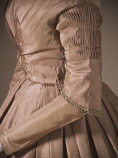 Dress (image 5) | probably England | 1845 | silk, linen | Los Angeles County Museum of Art | Museum #: M.2007.211.746a-b