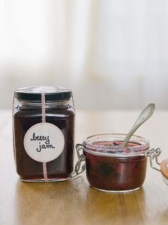 How to Make Jam With Agave Domestic Diva - Elderberry recipes - Homemade Jam Diy Food Gifts, Jar Gifts, Canning Jars, Canning Recipes, Jam Recipes, Recipies, Mason Jars, Canning 101, Jam Roly Poly