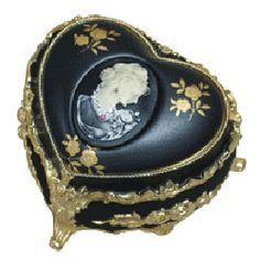 Cameo Heart Music Box