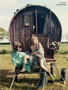 gypsy caravans (kate moss, V magazine issue #61)