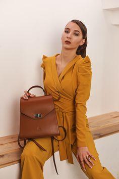 This monochrome 2 pieces set is perfect business casual. Office Outfits, Be Perfect, Business Casual, Timeless Fashion, Monochrome, Wrap Dress, Womens Fashion, Dresses, Design