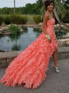 This would be a really cute prom dress