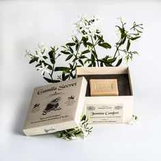 Jasmine Comfort Cleansing Bar - A sweet fresh scent with a calming, healing and restorative effect.