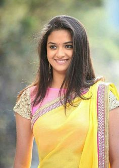 Keerthi Suresh looking beautiful in Saree Tamil Actress Photos, Indian Film Actress, South Indian Actress, Indian Actresses, Prettiest Actresses, Beautiful Actresses, Thing 1, Female Actresses, Young Actresses