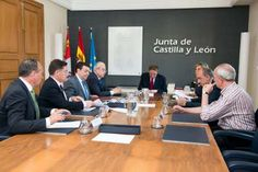 La Junta aporta 180.000 euros a las diputaciones de Burgos, León, Palencia y al Consejo Comarcal del Bierzo para asistir a las entidades locales menores en la elaboración de sus cuentas http://revcyl.com/www/index.php/politica/item/4001-la-junta-aporta-180000-euros-a-las-diputaciones-de-burgos-le%C3%B3n-palencia-y-al-consejo-comarcal-del-bierzo-para-asistir-a-las-entidades-locales-menores-en-la-elaboraci%C3%B3n-de-sus-cuentas