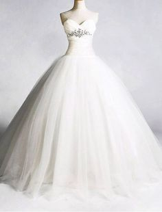 Tulle Sweetheart Neckline Ball Gown Wedding Dress with Fitted Bodice - Bridal Gowns - RainingBlossoms