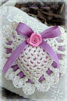 Crochet Sachet, Crochet Pouch, Crochet Pillow, Crochet Bracelet, Crochet Art, Thread Crochet, Crochet Gifts, Crochet Motif, Free Crochet
