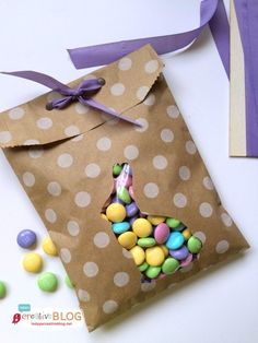 You will LOVE these EASY Easter Treat Bags! They're easy to make, adorable and the perfect little treat bag! Fill with Easter candy and you're good!