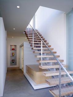 Oak04 – Stairs down from carport to bridge with powder room underneath