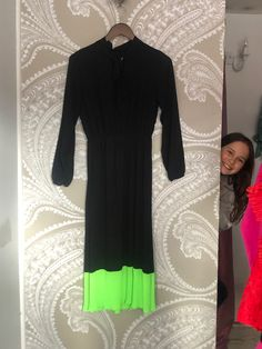 """""""that"""" Black/Green Neon Dress 👊🏻 I took my daughter to work ❤️ Neon Dresses, 15 Dresses, Short Sleeve Dresses, Pleated Skirt, Dress Skirt, Lifestyle Store, To My Daughter, Law, Floral"""