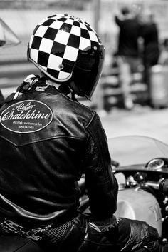 Galerie photo Atelier Chatokhine | Coupes moto légende 2012 Circuit de Dijon Prenois les 26 et 27 mai 2012.