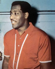 Otis Redding in a groovy shirt. Courtesy of Zelma Redding. Looks like he just stepped off Cotton Ave Music Icon, Soul Music, Music Is Life, Otis Redding, Soul Artists, Soul Singers, New People, Music People, African American History