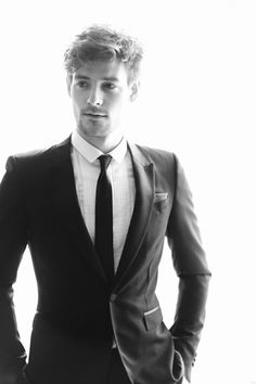 Tuxedo Lessons: Behind-the-Scenes with Roo Panes at The 2012 Met Gala - Esquire