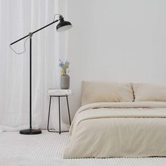 Need sustainable clothing, home decor, beauty products and more? Look no further than these 20 eco-friendly Canadian online stores - including eco-conscious home decor shop Maison Tess! Bed Sheet Sizes, Beauty Products, Pure Products, Home Decor Shops, Sustainable Clothing, Bed Spreads, Bed Sheets, Sustainability, Duvet Covers