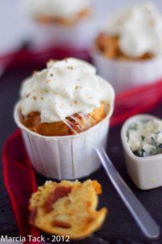 Cupcake chorizo et chantilly au roquefort - Recette - Marcia 'Tack Chorizo, Cheesecake Cupcakes, Love Cupcakes, Cheesecakes, Mashed Potatoes, Dips, Pudding, Sweets, Eat