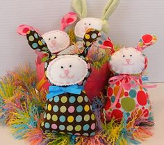 Free Polka Dot Bunny Tutorial
