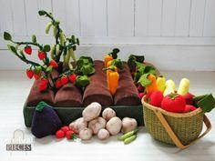 Felt vegetable garden playset