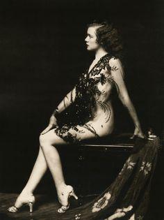 A Ziegfeld Beauty, by Alfred Cheney Johnston