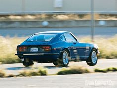 Google Image Result for http://image.modified.com/f/15599756%2Bw750%2Bst0/sccp_0811_18_z%2B1971_datsun_240z%2Bright_rear_view.jpg