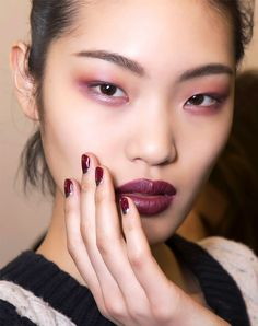We rounded up the best burgundy eyeshadows from the drugstore, Sephora, and Ulta, along with gorgeous inspo shots to get you in the winter spirit. Urban Decay Eyeshadow, Eyeshadows, Burgundy Eyeshadow, Bold Makeup Looks, Colorful Eyeshadow, Nyx Cosmetics, Makeup Trends, Sephora