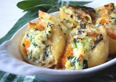 Butternut Squash, Ricotta & Spinach Stuffed Shells Recipe ~ the best recipes of all time Spinach Stuffed Shells, Stuffed Shells Recipe, Healthy Stuffed Shells, Stuffed Acorn Squash, I Love Food, Good Food, Yummy Food, Great Recipes, Favorite Recipes