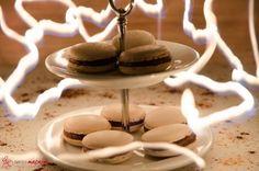 Macarons mit Schoko-Buttercreme und Tonkabohne.