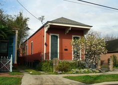 'Shotgun' Houses Are Smart, Narrow - Curbed Atlantaclockmenumore-arrow : Creole Cottage, Cottage Style, Cottage Homes, Shotgun House Plans, Atlanta, Red Houses, Tiny House Nation, New Orleans Homes, Narrow House