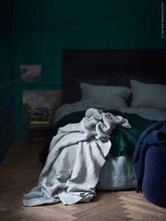 Mach es dir gemütlich! Mit unseren Decken, Plaids, Kissen und vielem mehr.