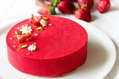 Strawberry Shortcake by Chef Lignac: Made with a biscuit crust, a light bourbon vanilla cream custard, and a strawberry coulis gel! Fancy Desserts, Sweet Desserts, Just Desserts, Delicious Desserts, Yummy Food, Baking Recipes, Cake Recipes, Dessert Recipes, Food Cakes